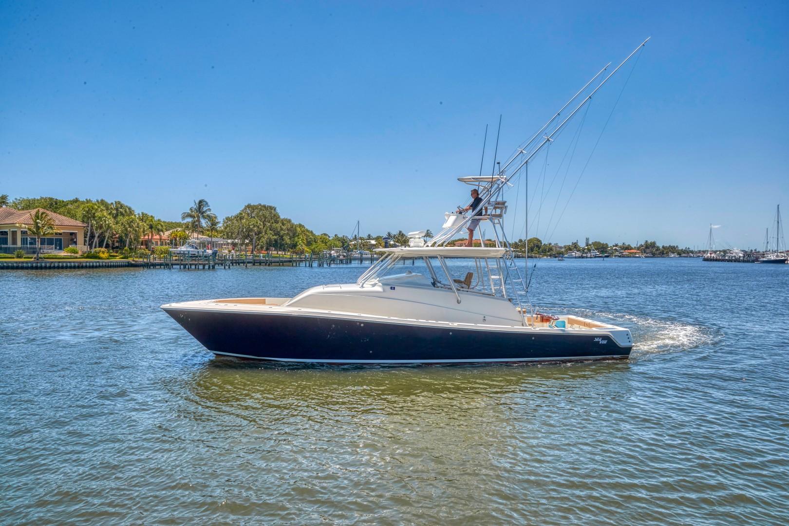 SeaVee 43 - Exterior Profile