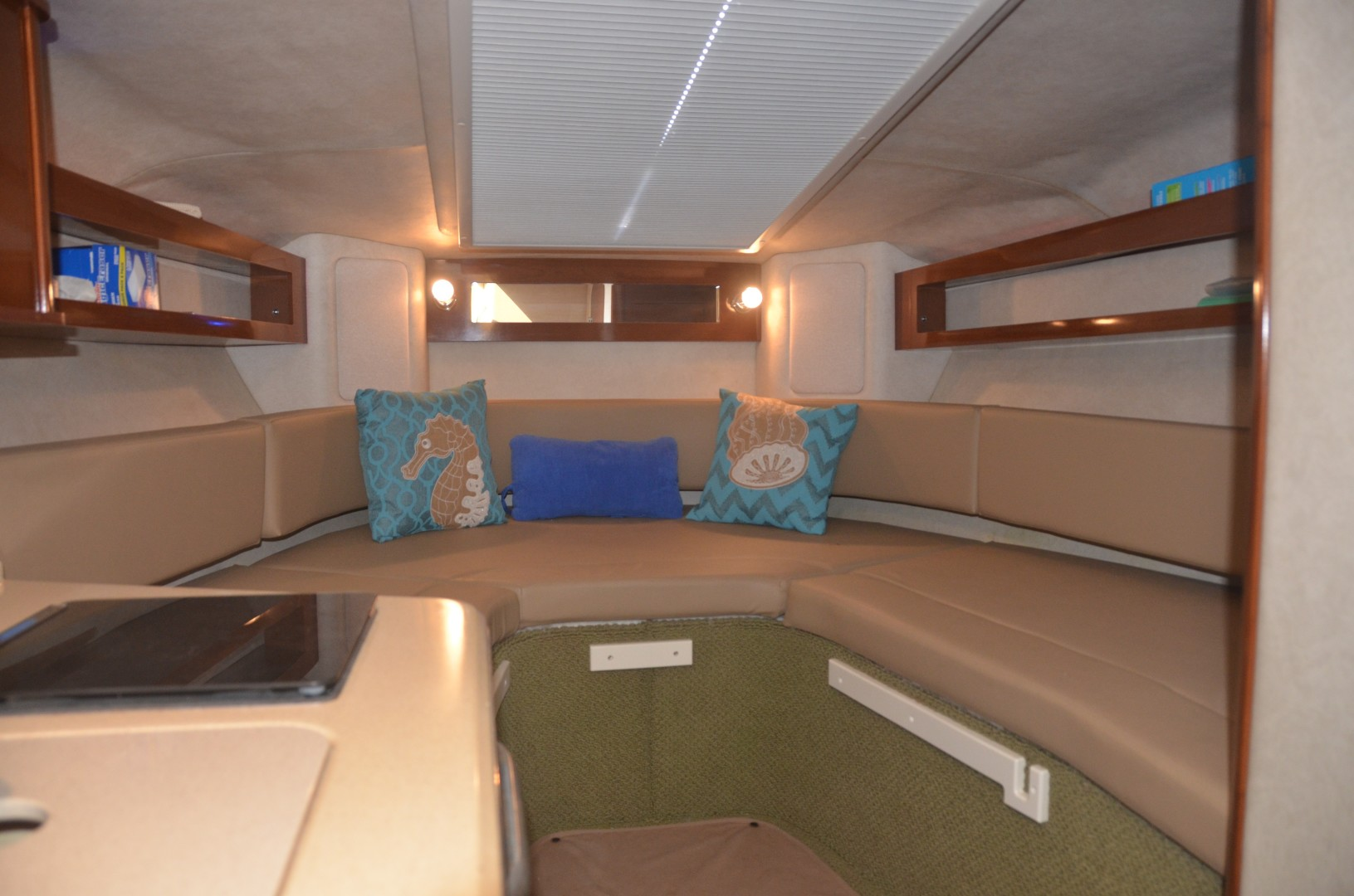 Sea Ray 28 - Ka'imi - Cabin