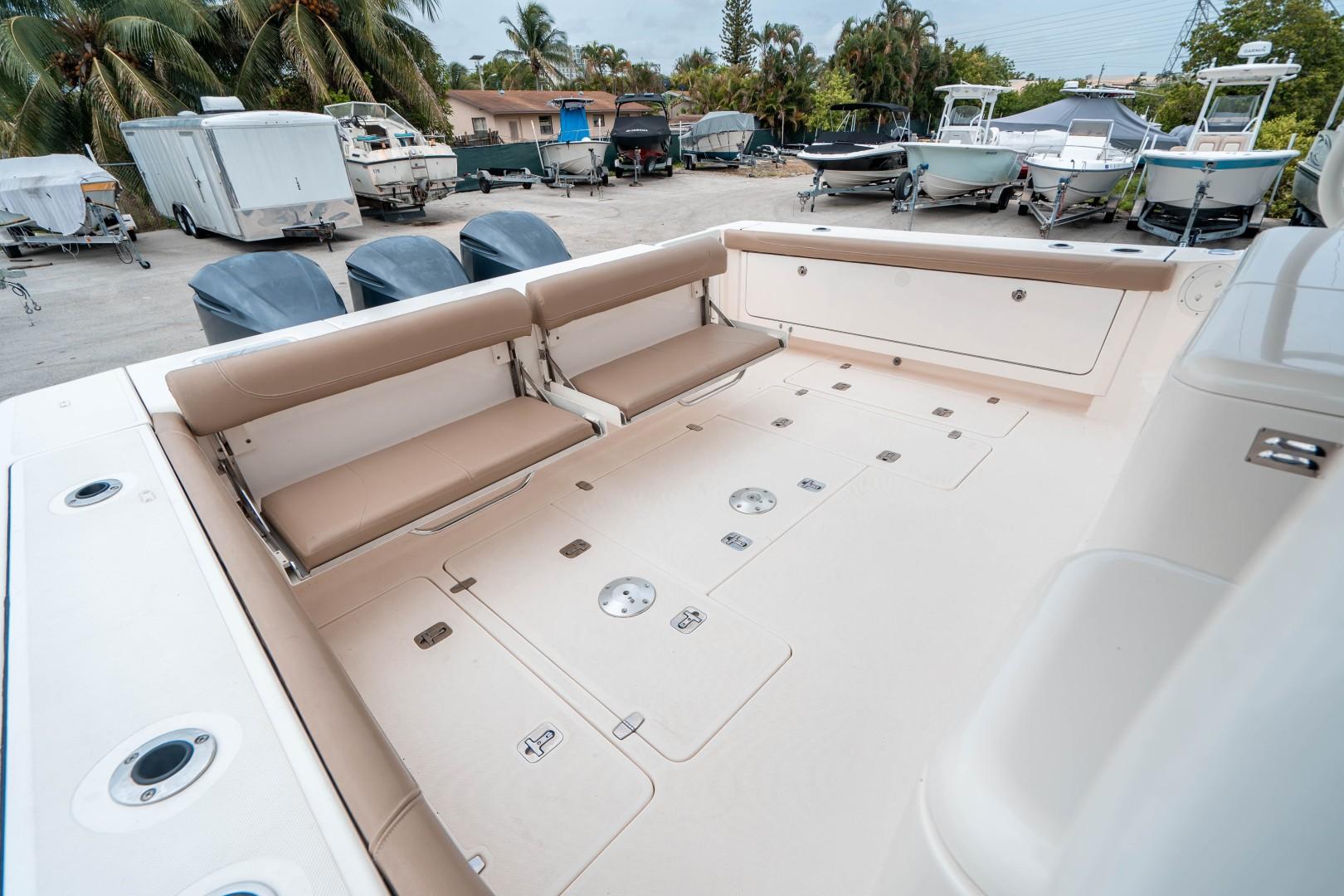 Pursuit 38 - Agua 0 - Aft Deck