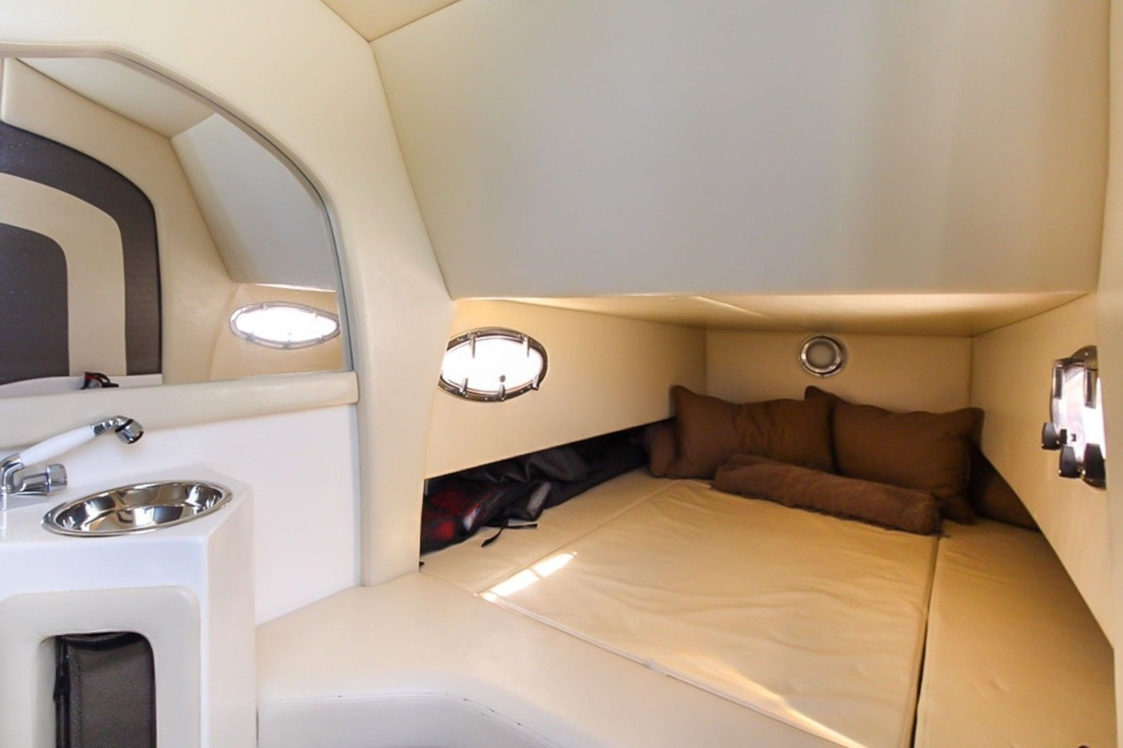 Nor-Tech 42 - Cabin