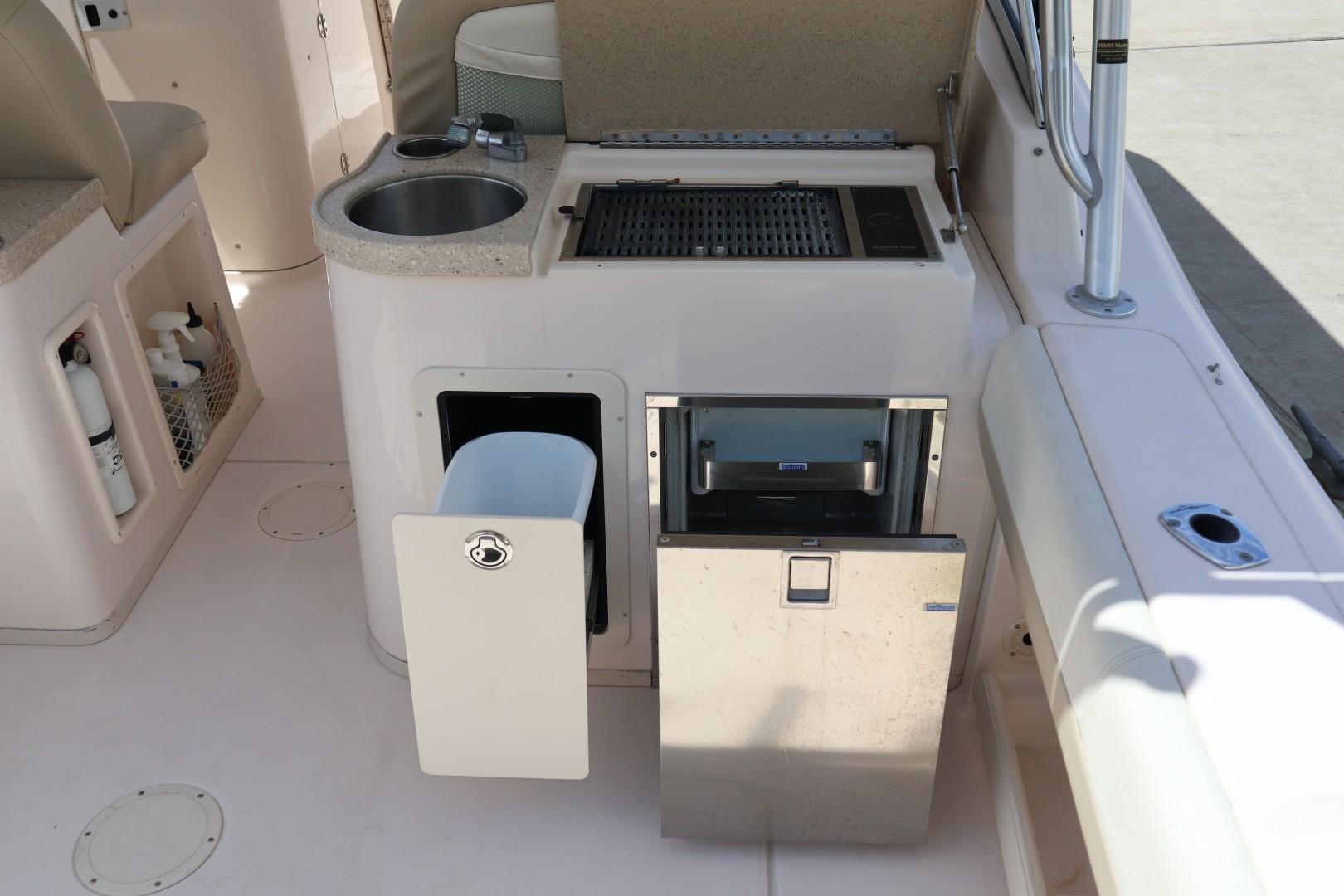 Grady-White 30 Sea Number - Sink/Refrigerator
