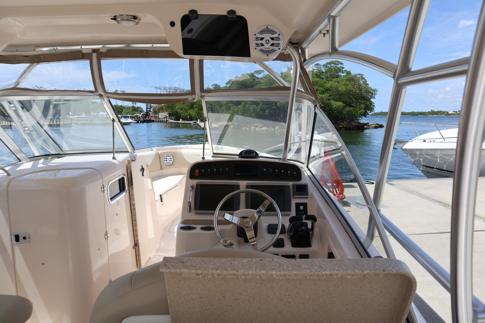 Grady-White 30 Sea Number - Helm Seating