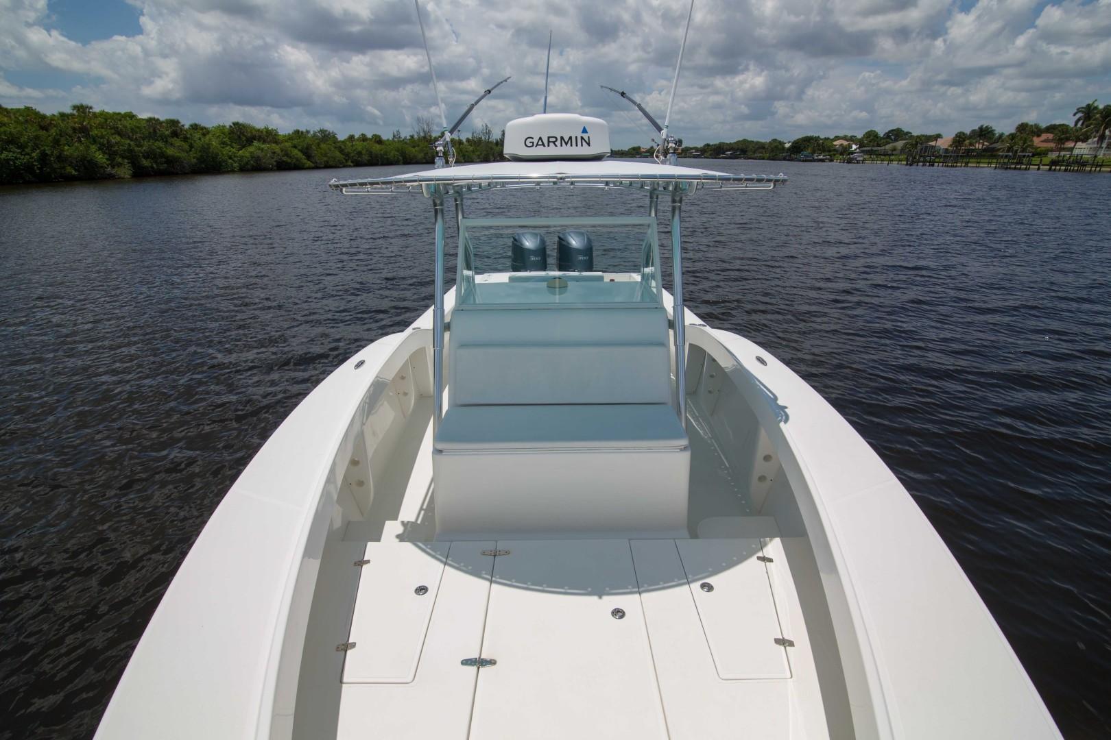 Ocean Master 33 - Bow