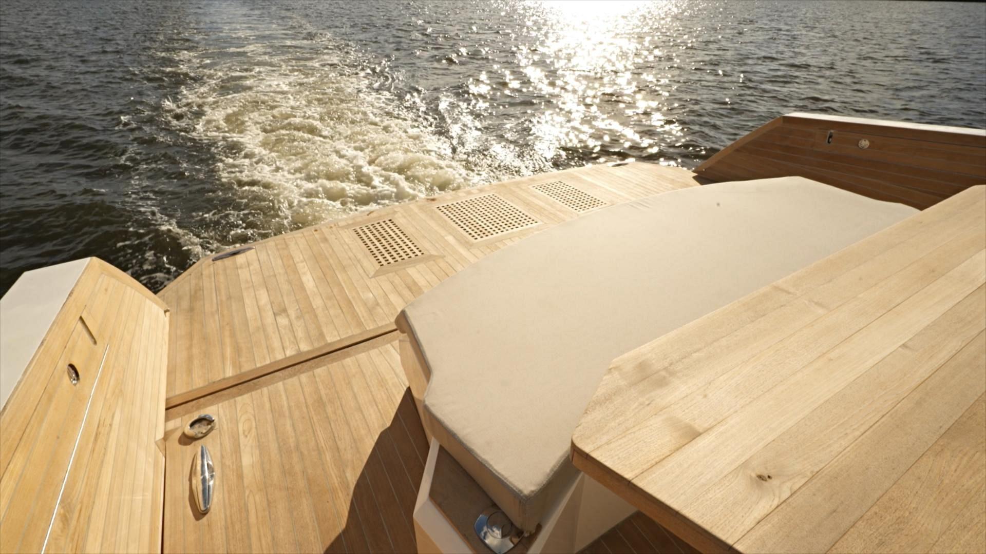 Ocean 55 - Swim Platform