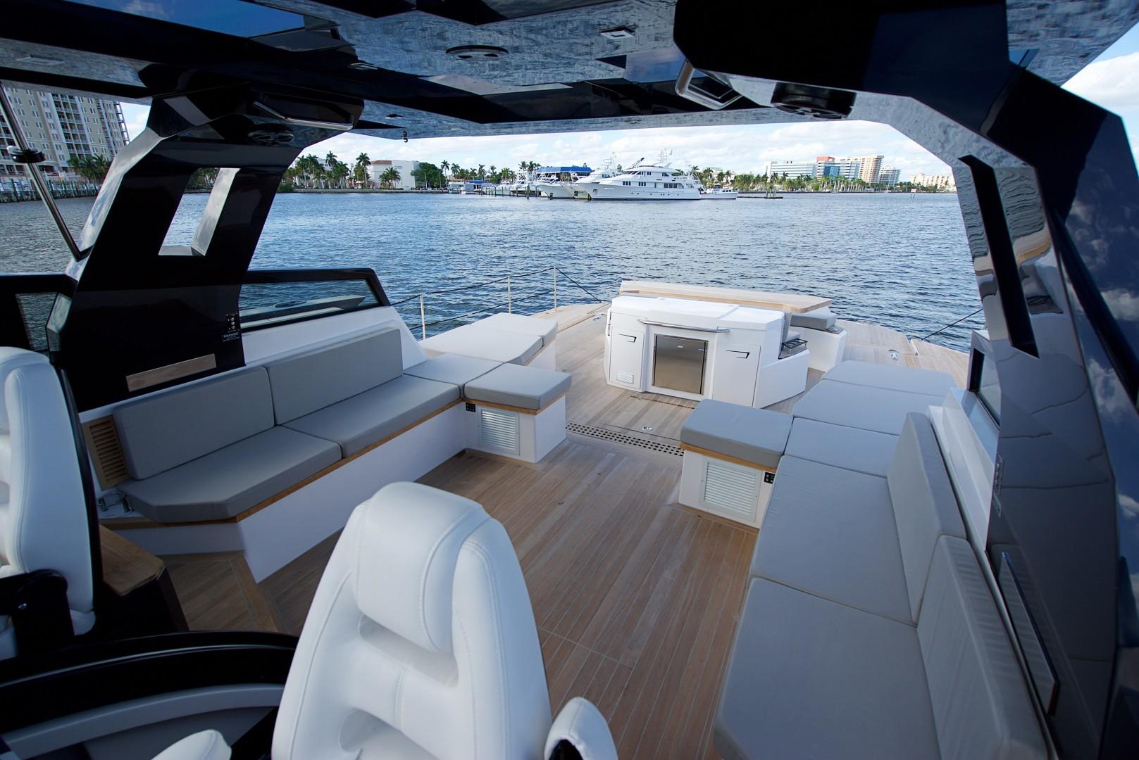 Ocean 55 - Cockpit