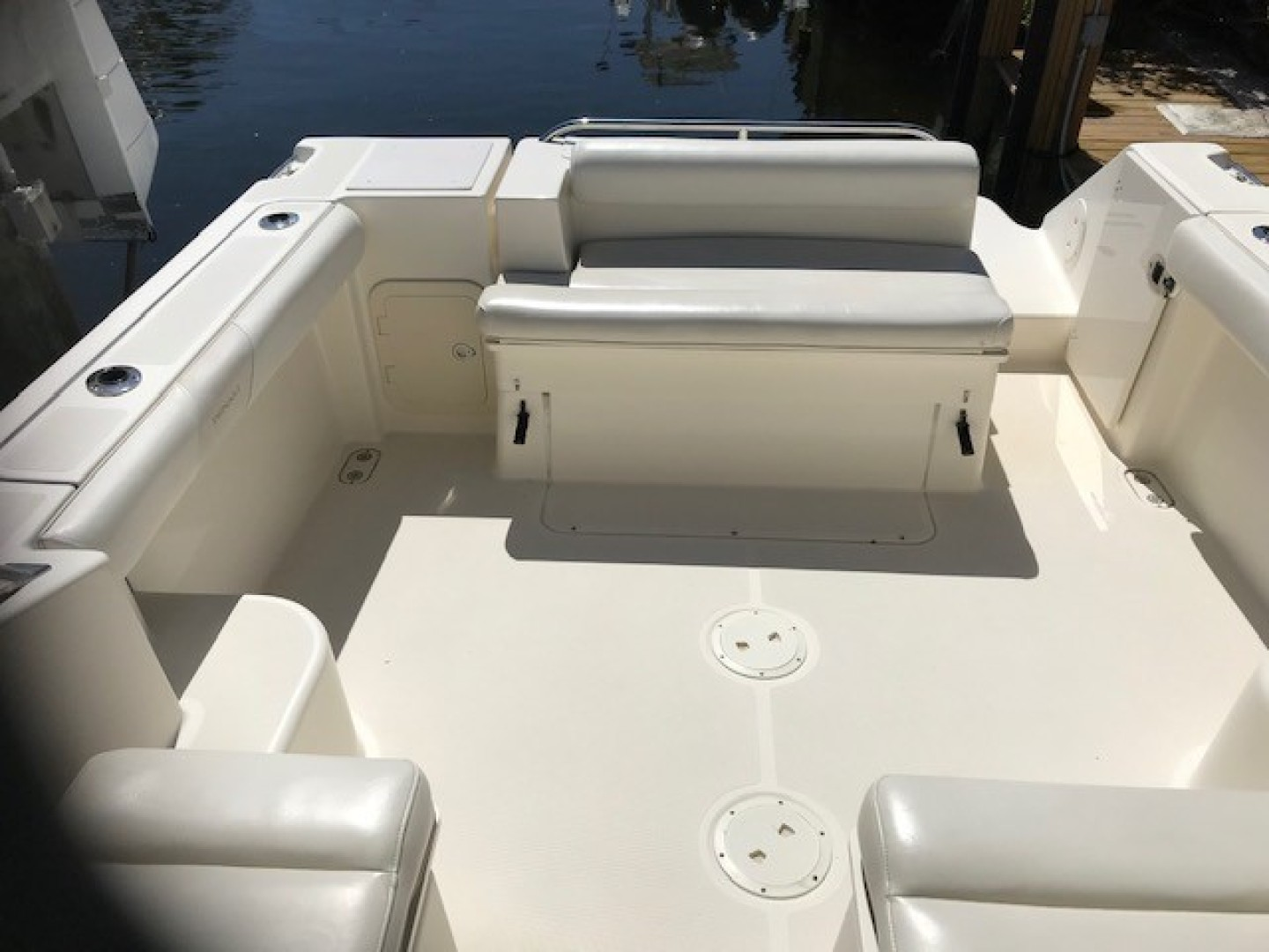 Pursuit 28 - Wired Up - Aft Seating