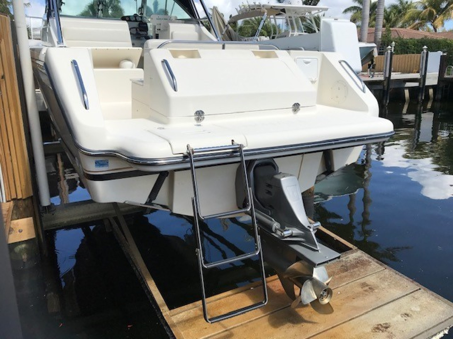 Pursuit 28 - Wired Up - Transom