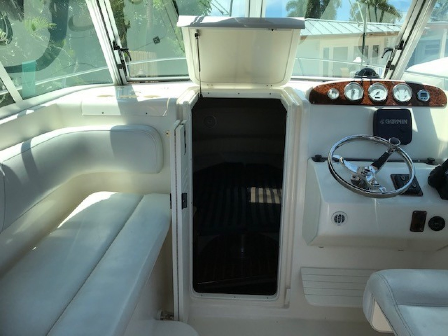 Pursuit 28 - Wired Up - Cabin Entry