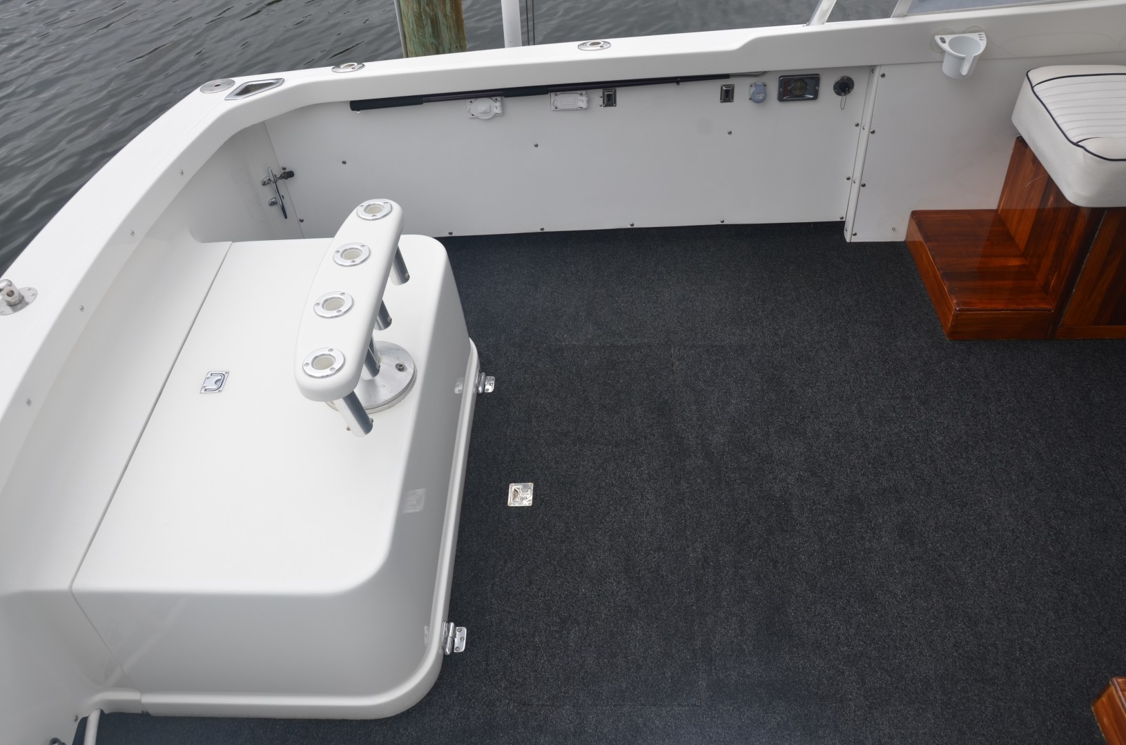 Bertram 25 - Favor - Cockpit