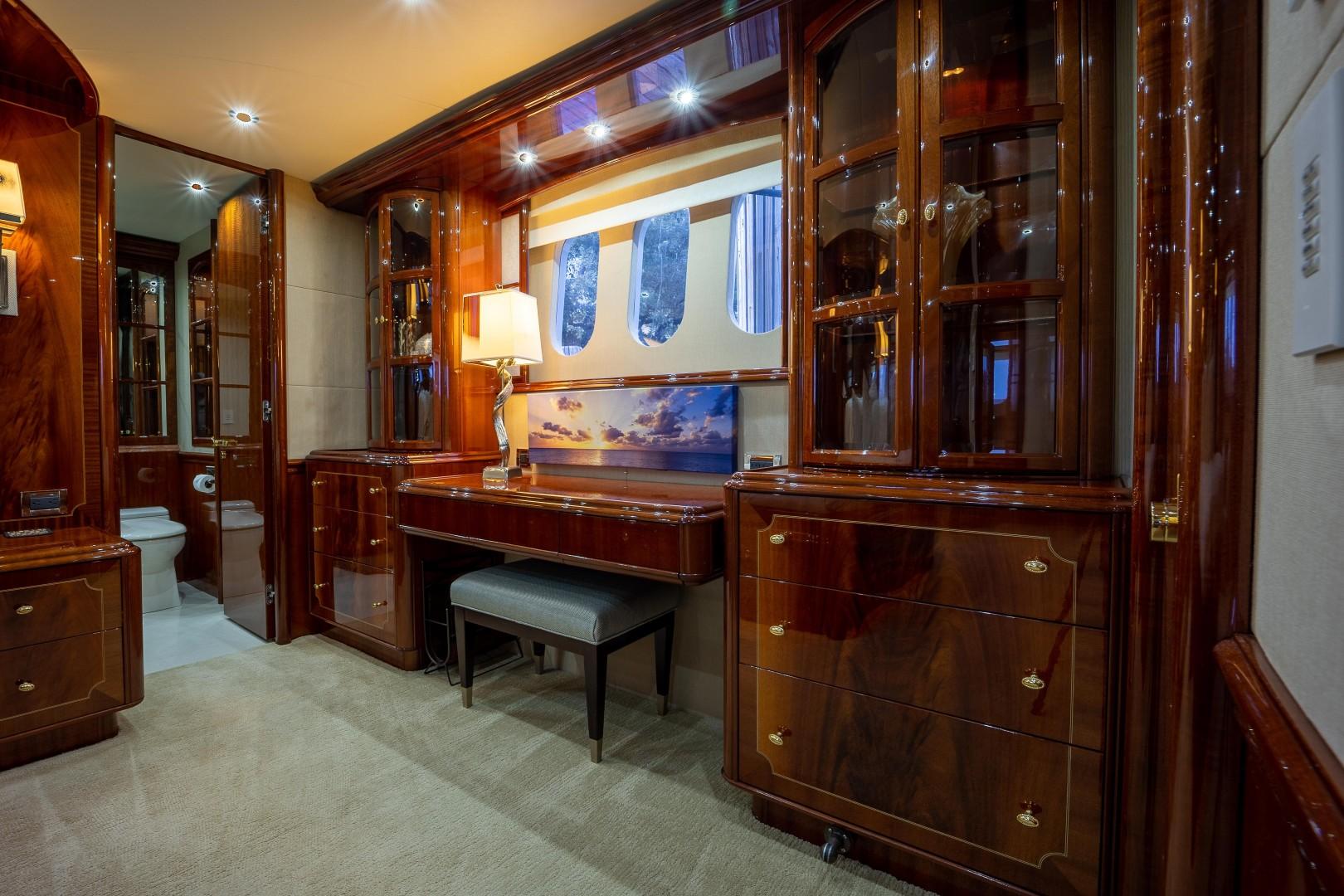 Lazzara 106 - Passion - Master Stateroom