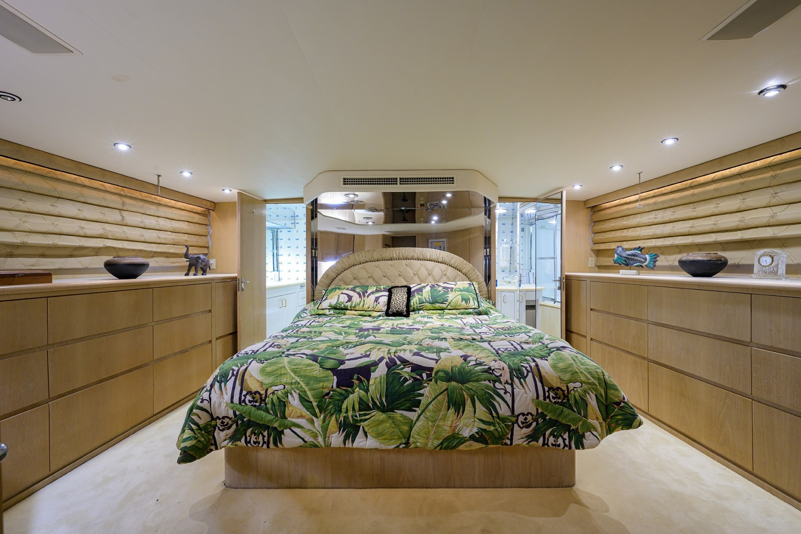 Hatteras 70 - Gypsy Rose - Master Stateroom