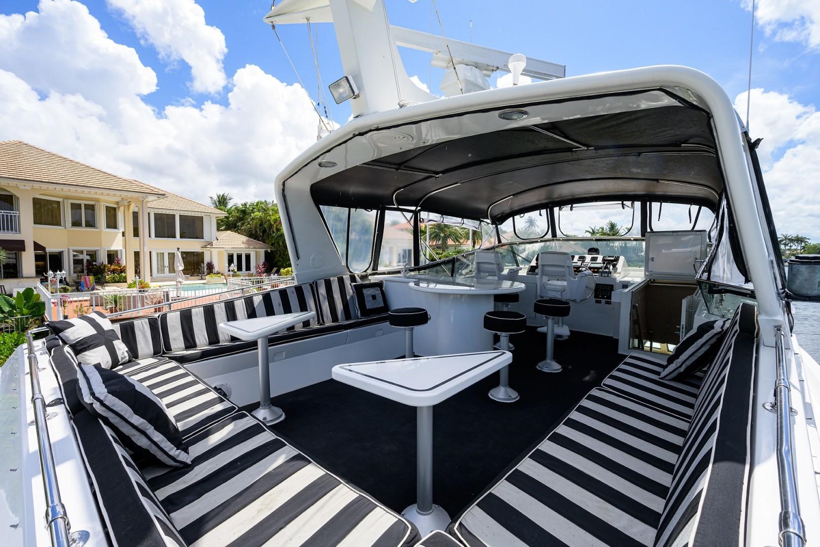 Hatteras 70 - Gypsy Rose - Flybridge Deck