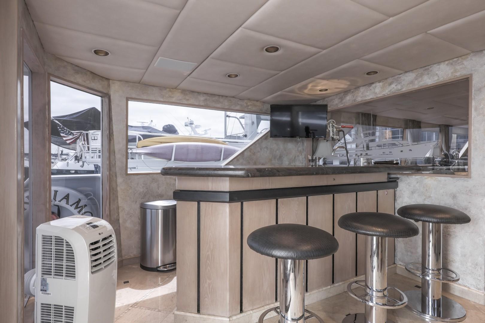 Broward 102 - Andiamo-Aft Lounge