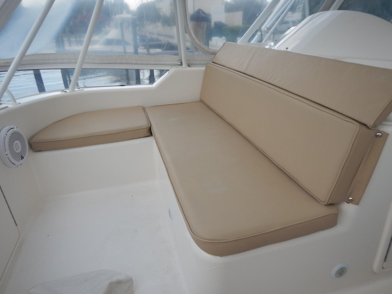 Riviera 42 - No Worries Mate II - Flybridge Seating