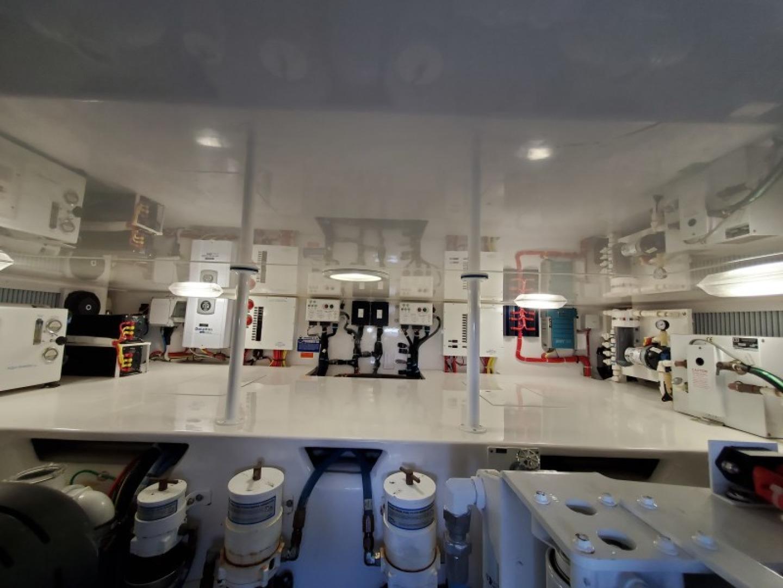 Viking 42 - Renegade - Engine Room