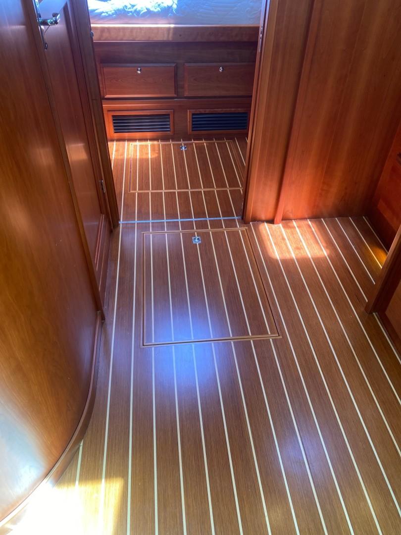 Sabre 42 - Seaclusion - Pristine Cabin Sole