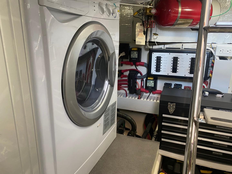 Sabre 42 - Seaclusion - Engine Room