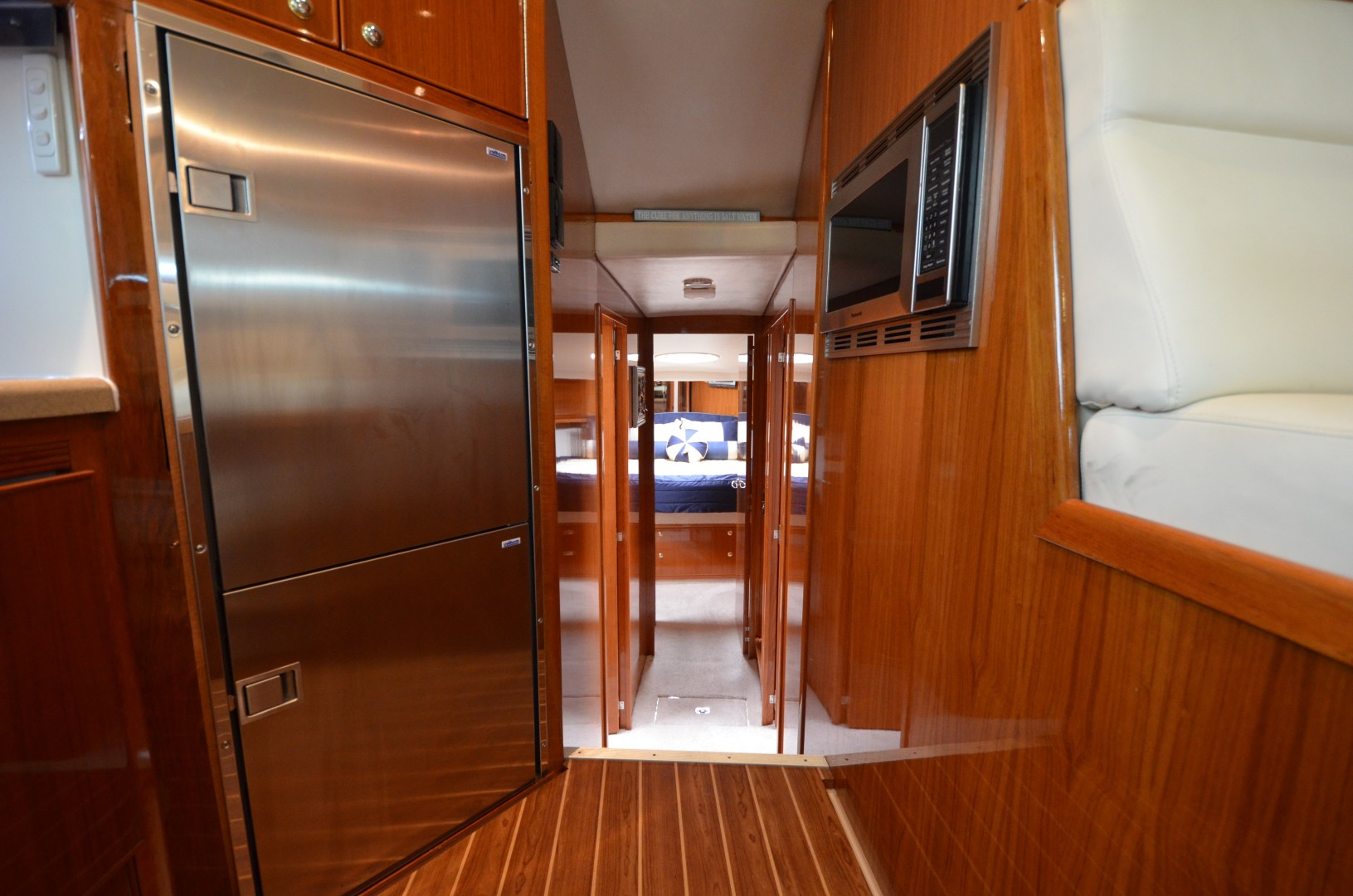 Riviera 47 - Concetta III - Companionway