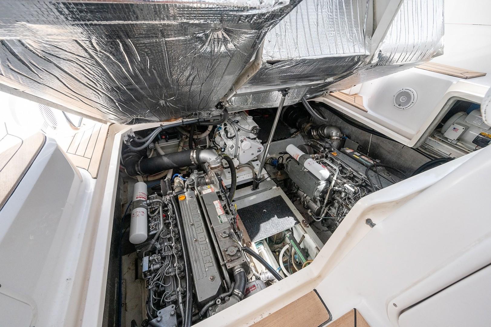 Chris-Craft 43 - Miss Mattie - Engine Room