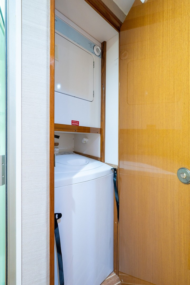 Viking 56 - 4 Aces - laundry