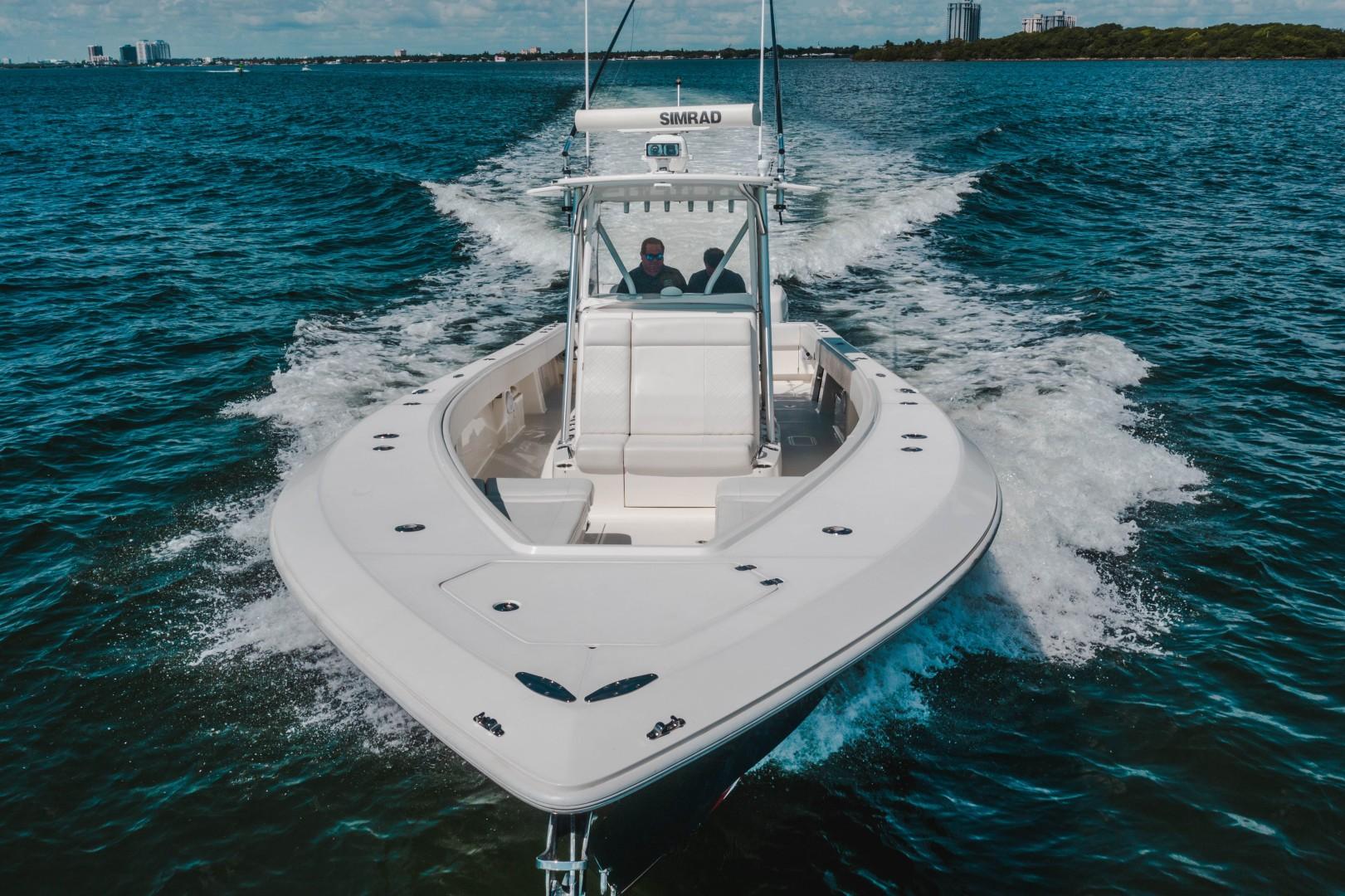 SeaVee 39 - Bow Profile