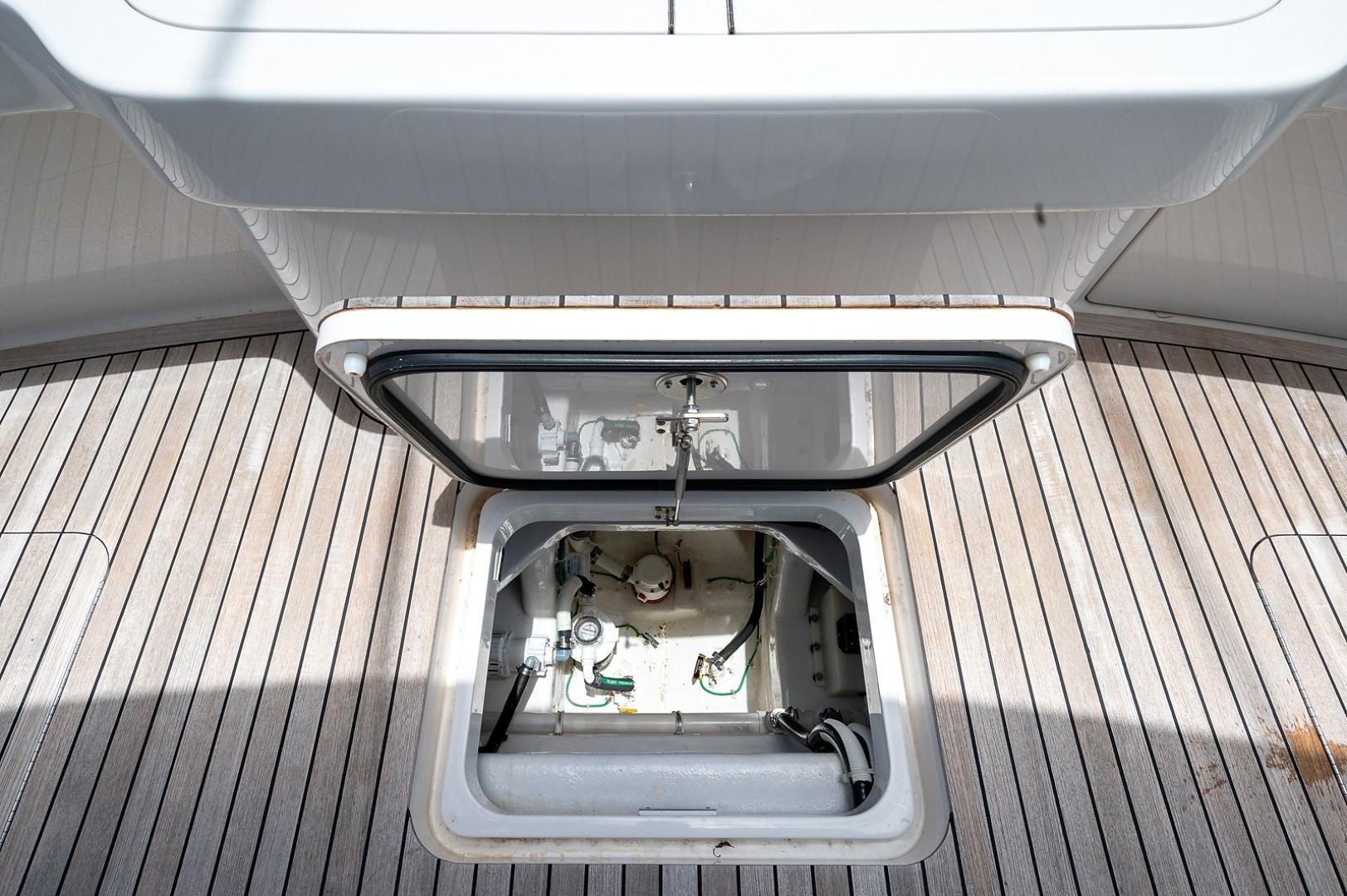 Viking 44 - Darlin Marlin - Cockpit