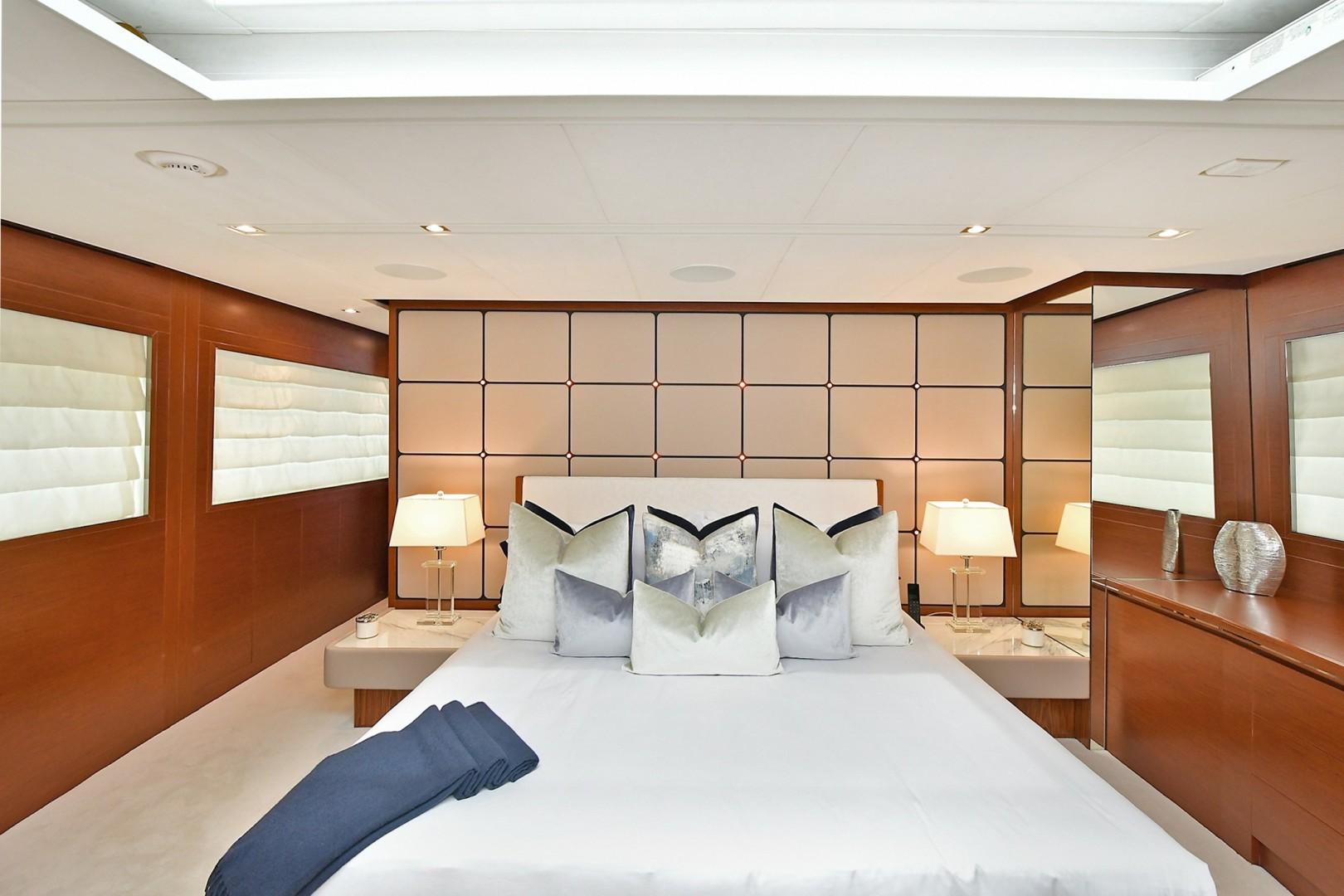 Horizon 110 - Neverland - Master Stateroom