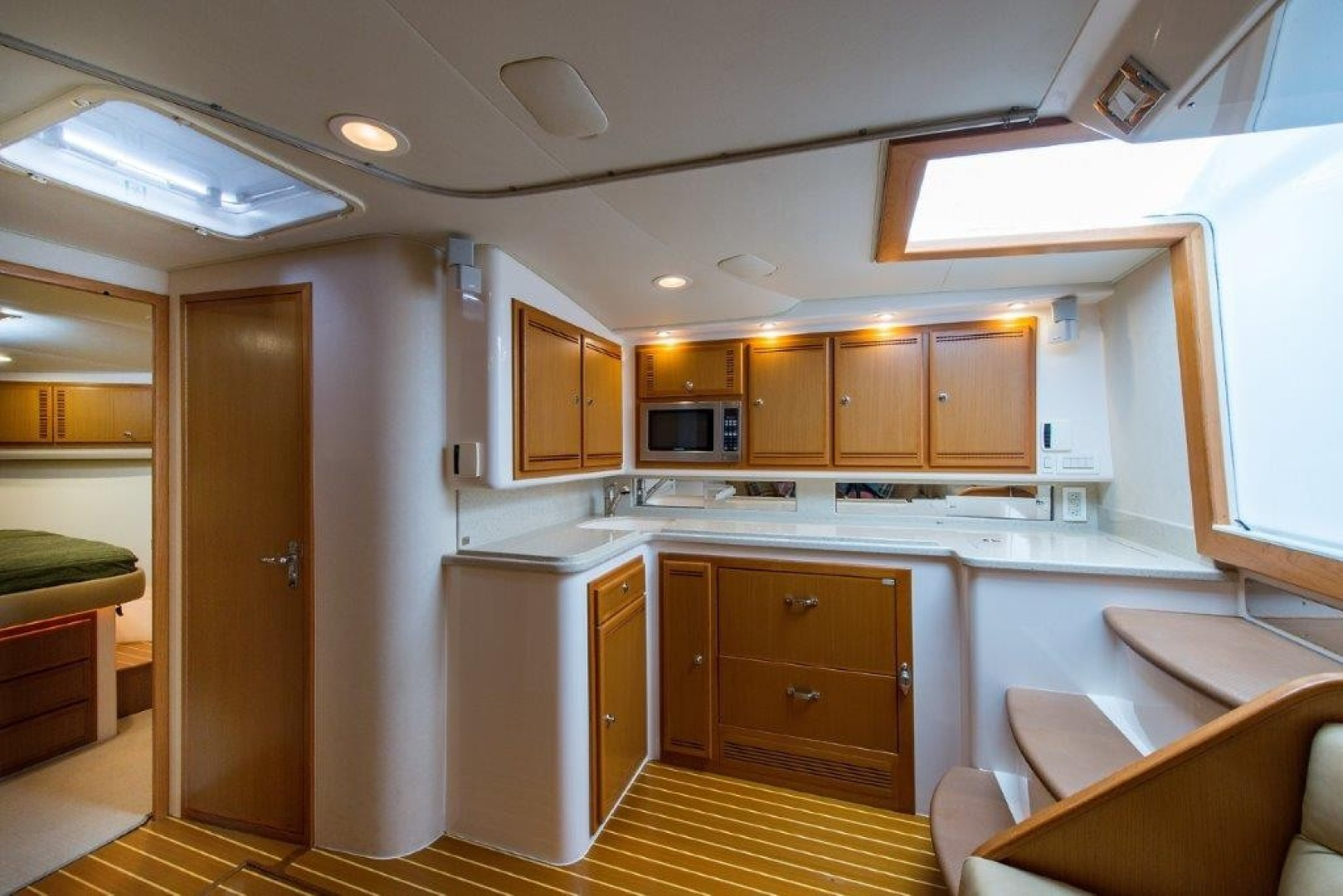 Cabo 45 - Game Changer - Galley