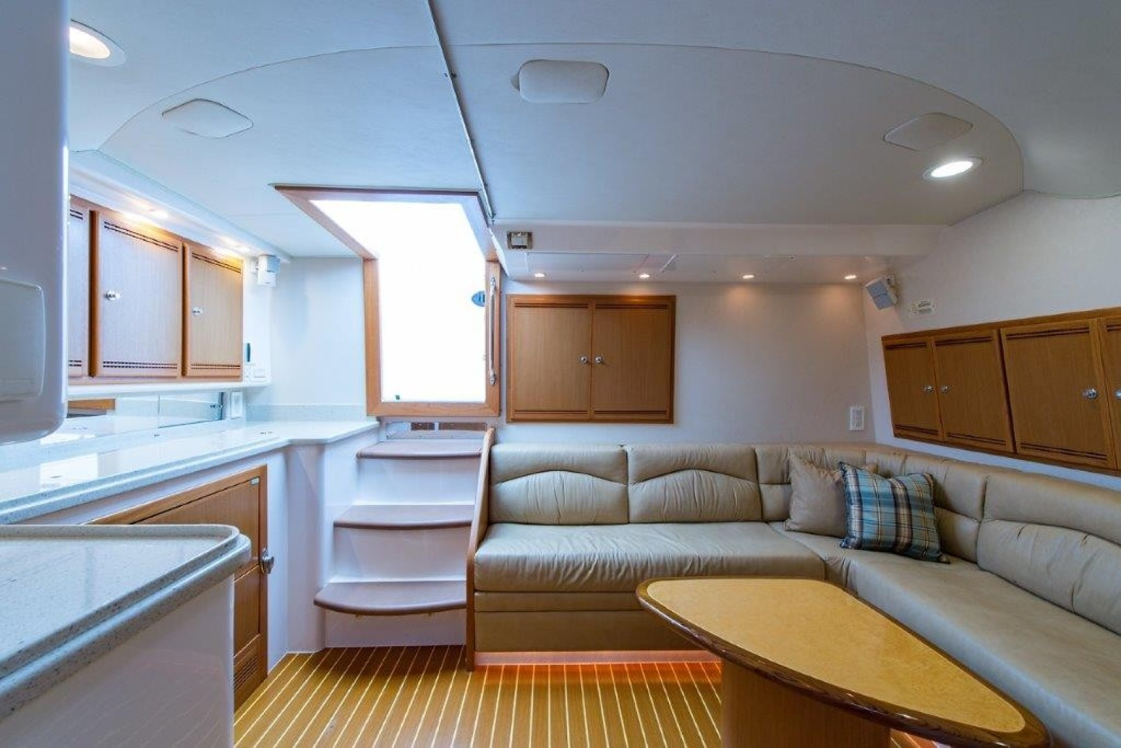 Cabo 45 - Game Changer - Cabin Entry
