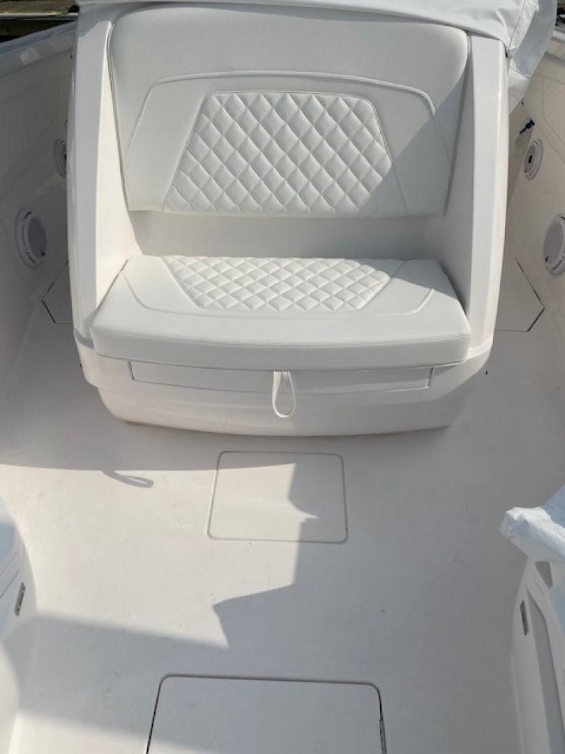 Intrepid 34 - Bow Seating