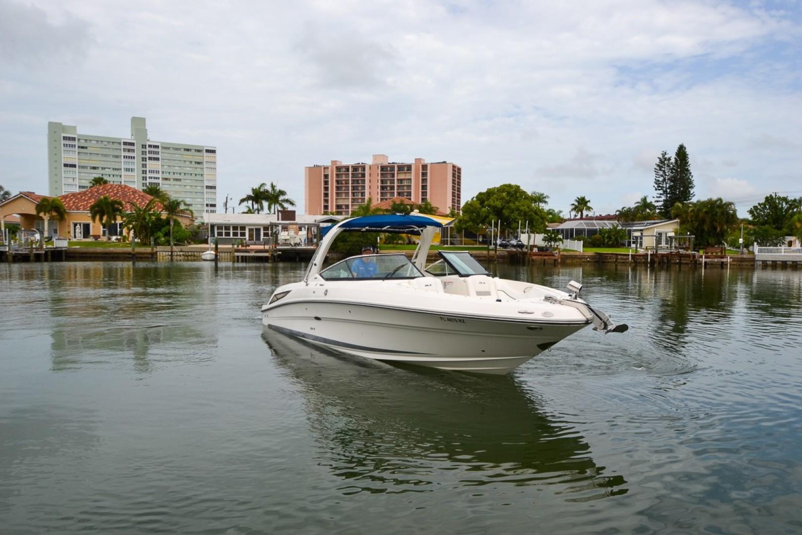 2010 Sea Ray 300 SLX 15