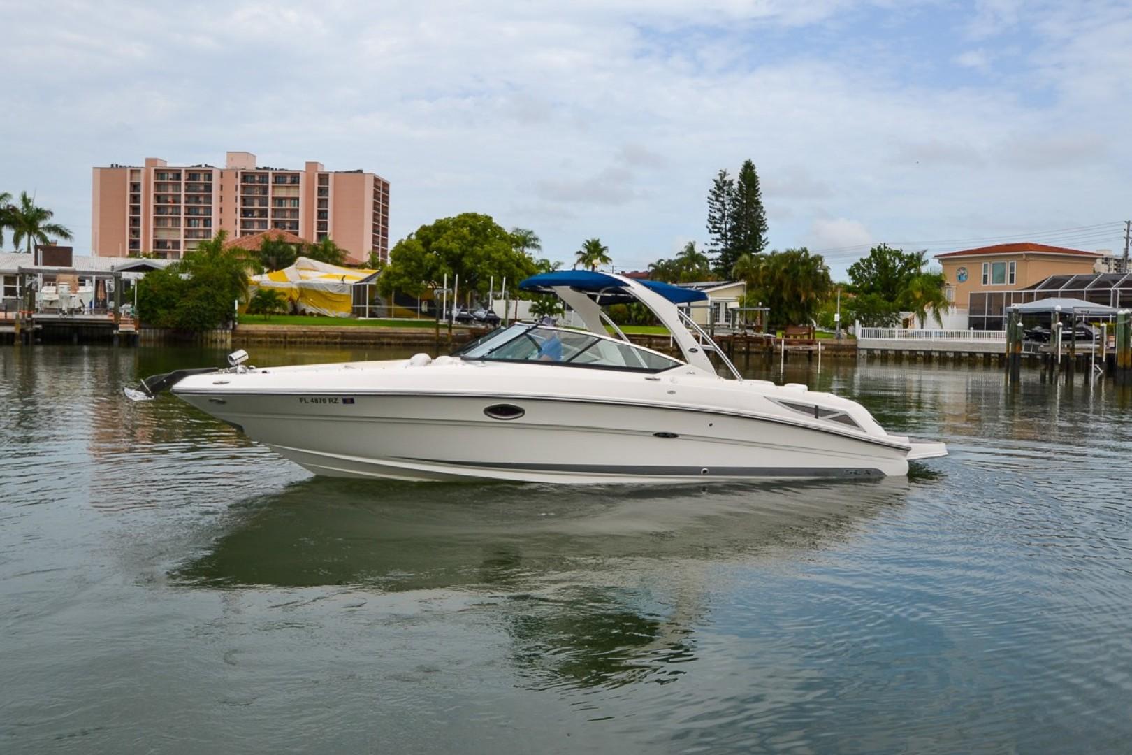2010 Sea Ray 300 SLX 31