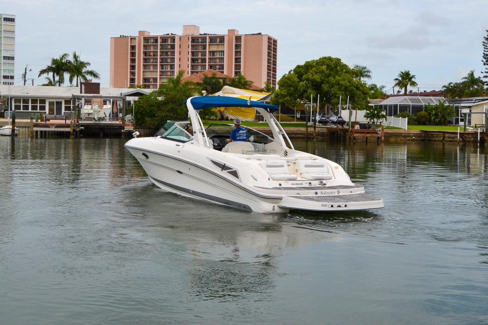 2010 Sea Ray 300 SLX 28