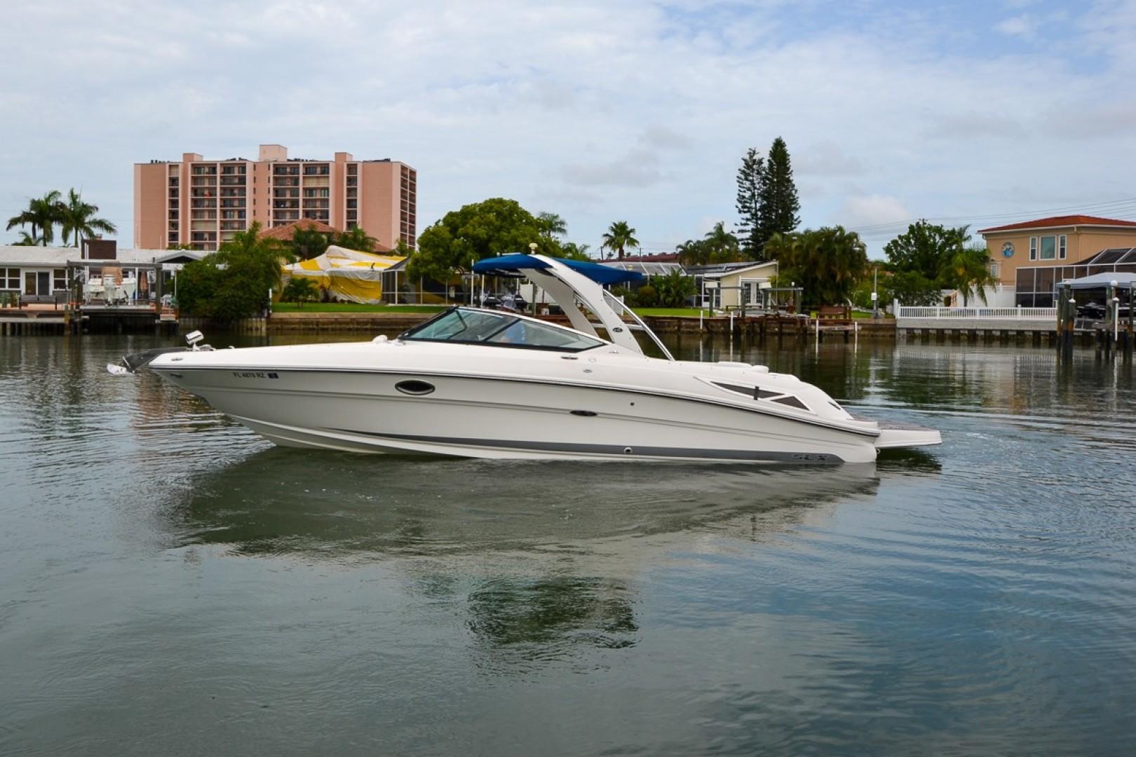 2010 Sea Ray 300 SLX 30