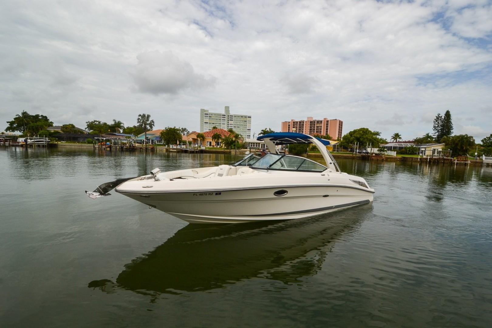 2010 Sea Ray 300 SLX 09