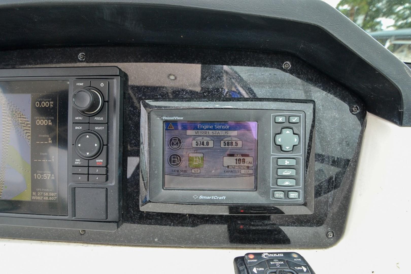 2010 Sea Ray 300 SLX 41