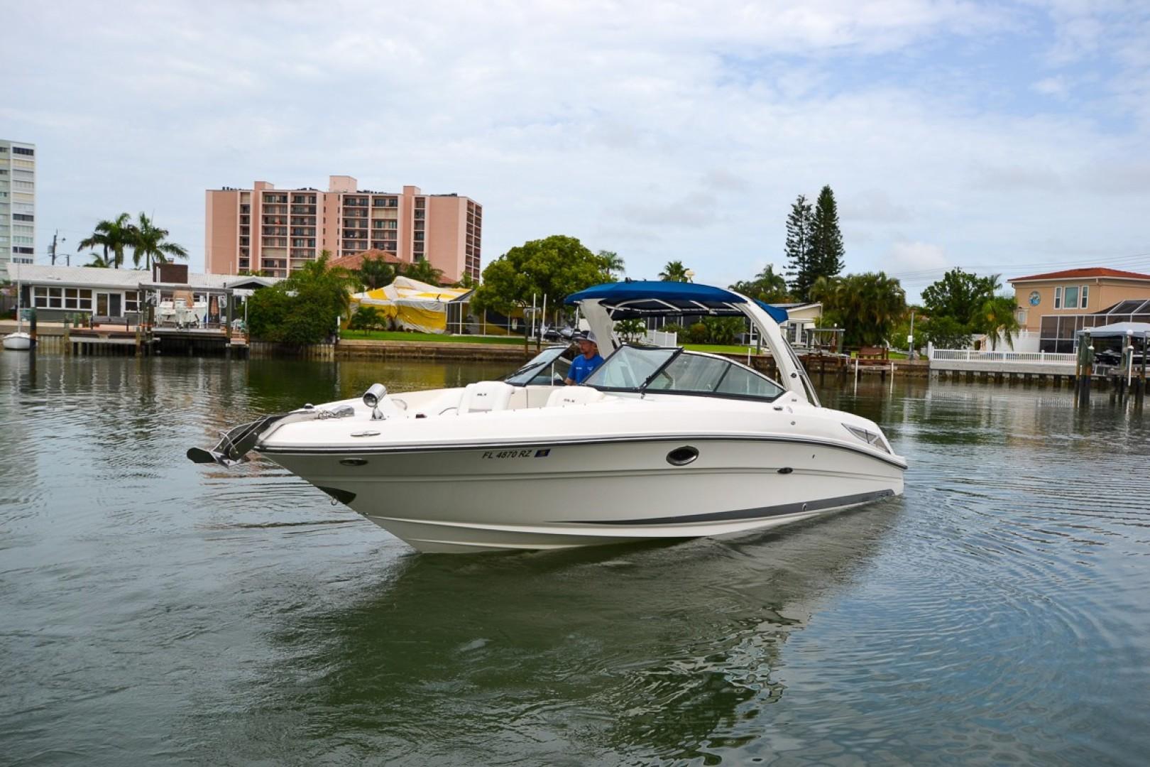 2010 Sea Ray 300 SLX 33