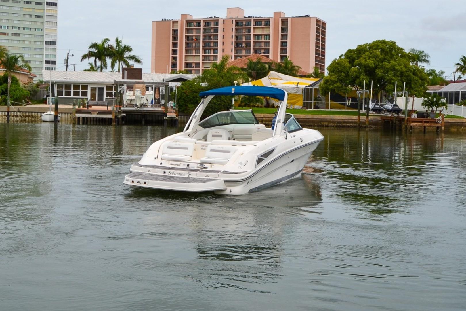 2010 Sea Ray 300 SLX 27