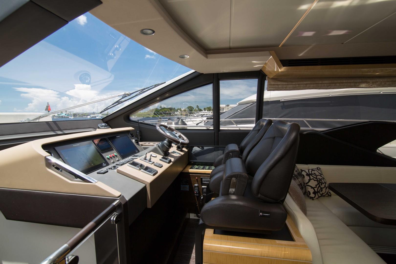 Azimut 66 - Lady M - Enclosed Flybridge