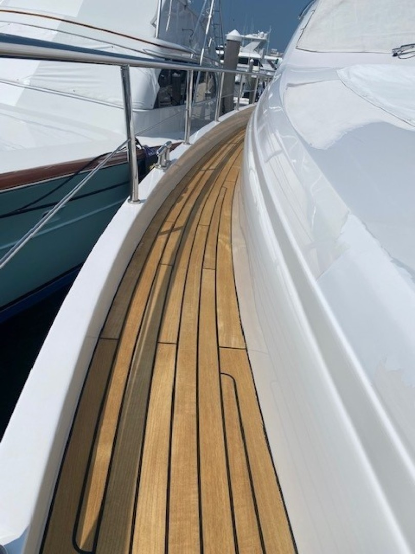 Pershing 64 - SoundView - Side Deck