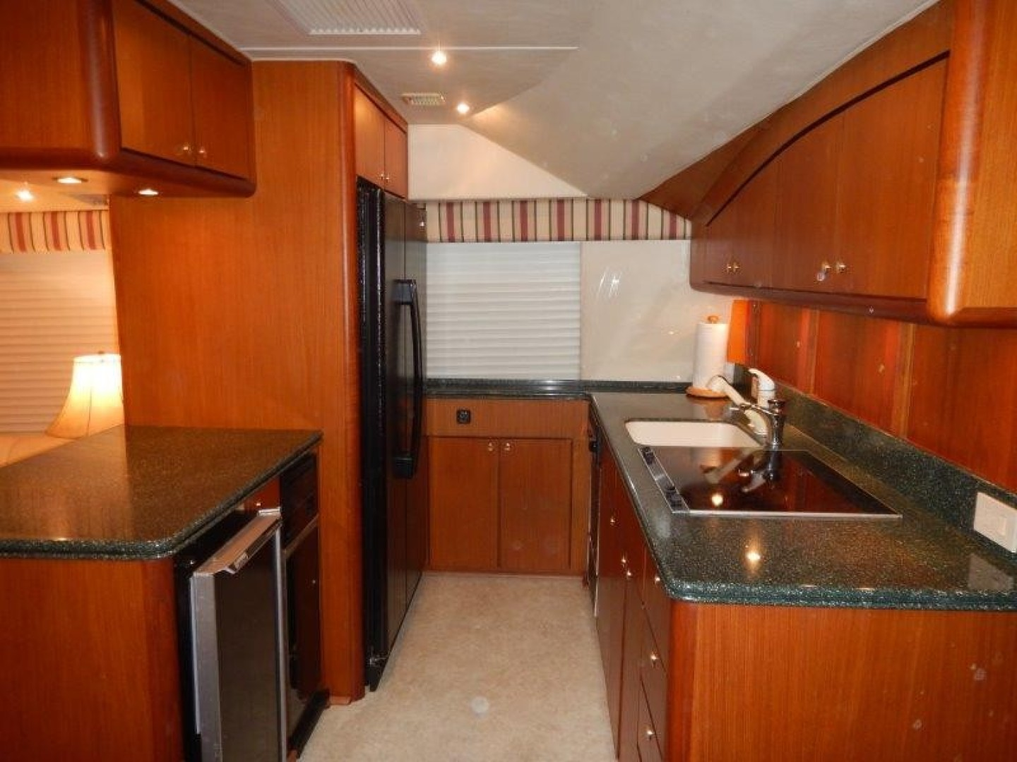 Ocean 56 - Seafood Searcher - Galley