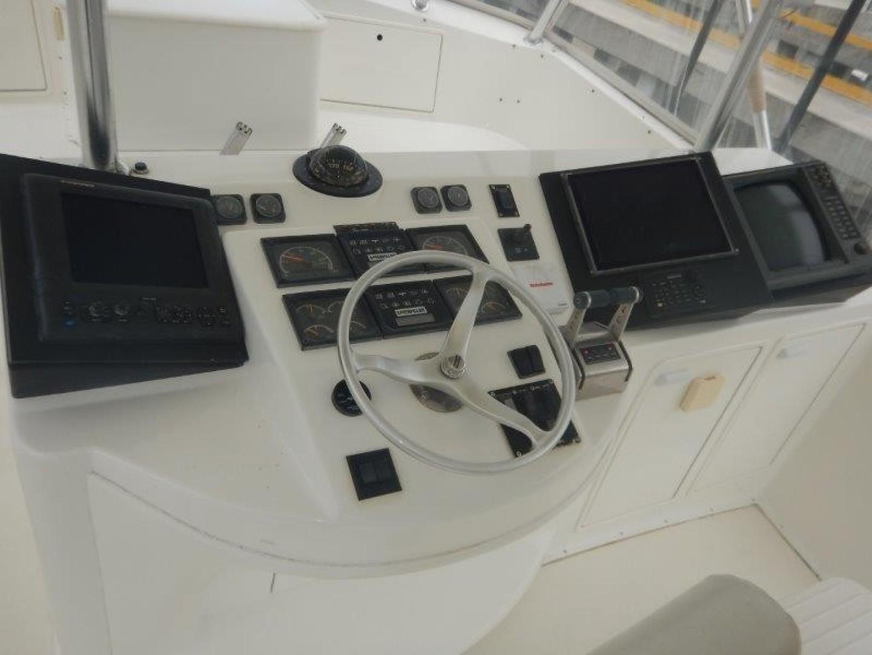 Ocean 56 - Seafood Searcher - Flybridge Helm