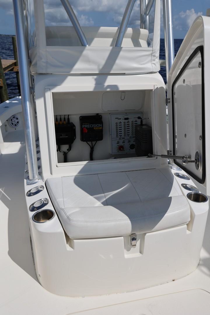 SeaVee 27 -exterior