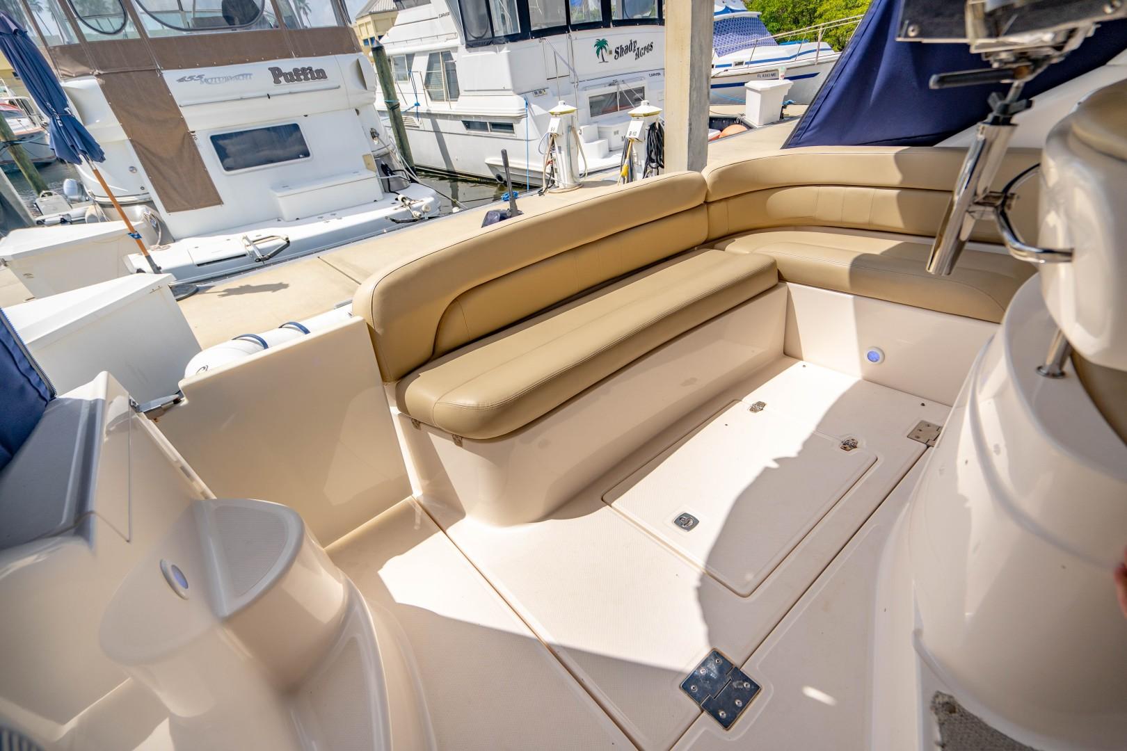 Regal 38 - Half Time - Cockpit Seating