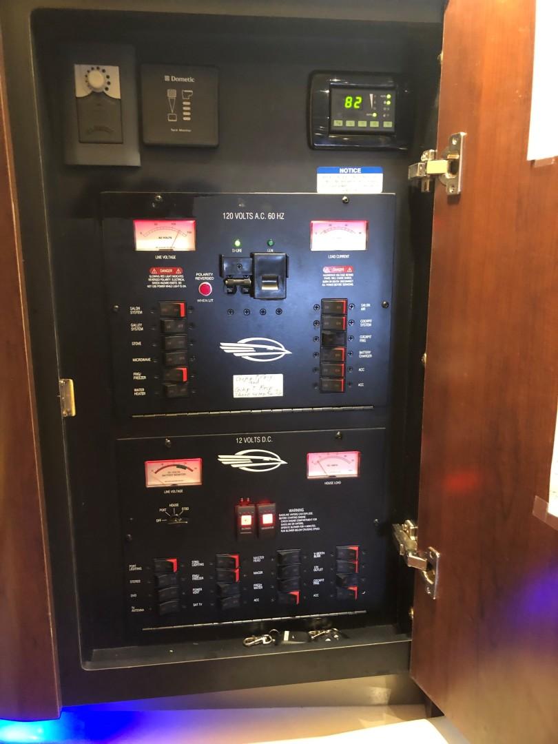 Chaparral 31- C-Scape - Control Panel