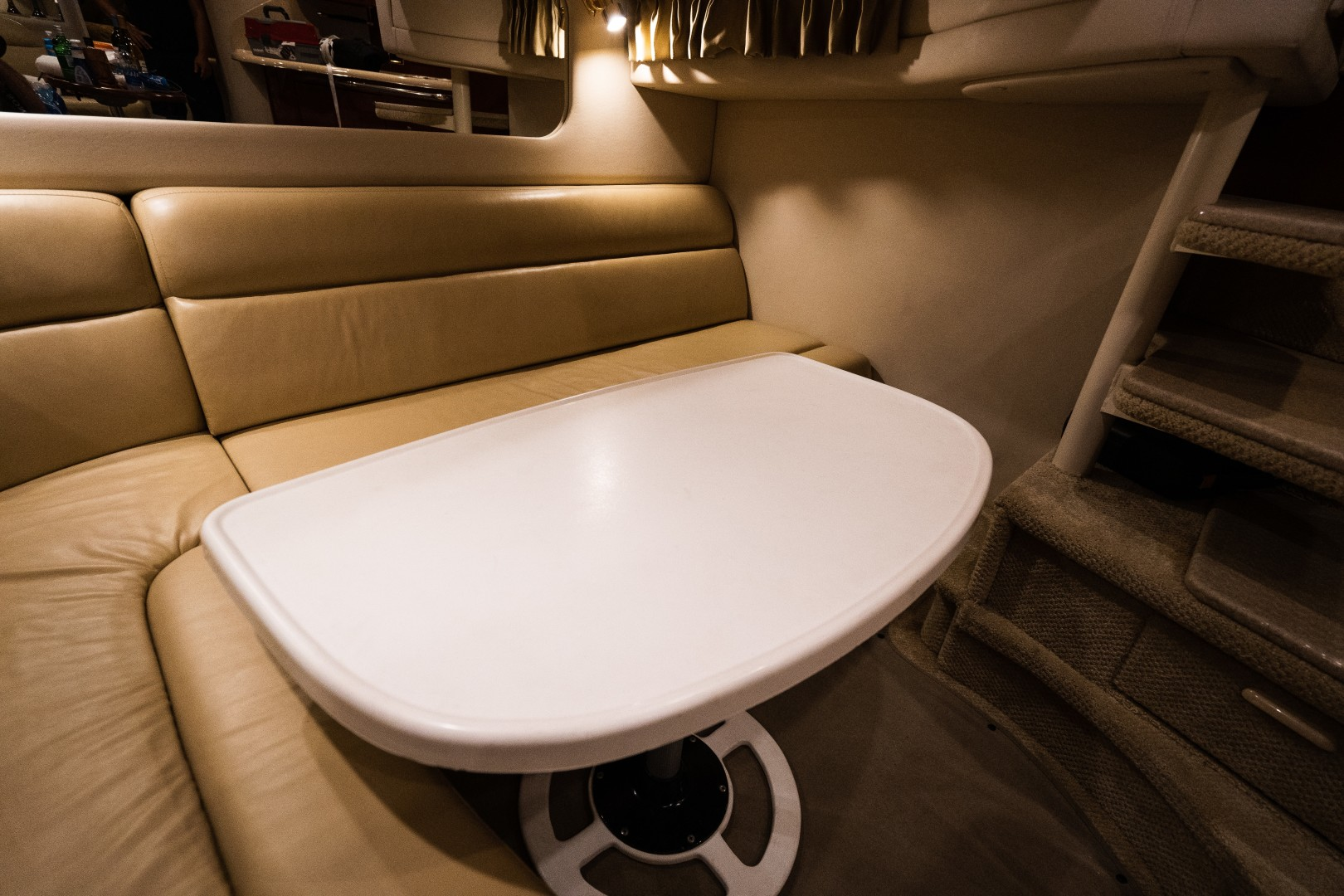 Sea Ray 40 - X Days - Dinette
