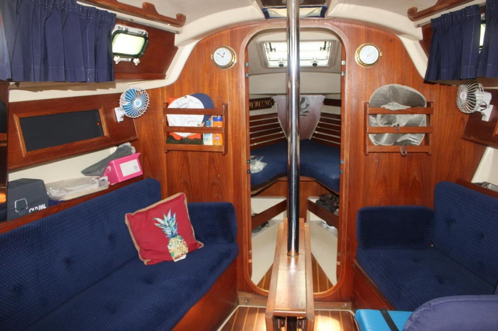 Callisto 33ft Pearson Yacht For Sale