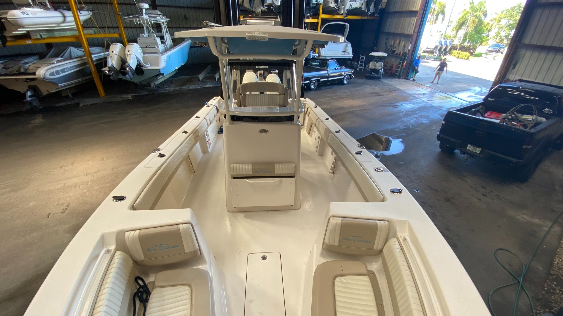 Sea Chaser 27 Bow & Helm Seating
