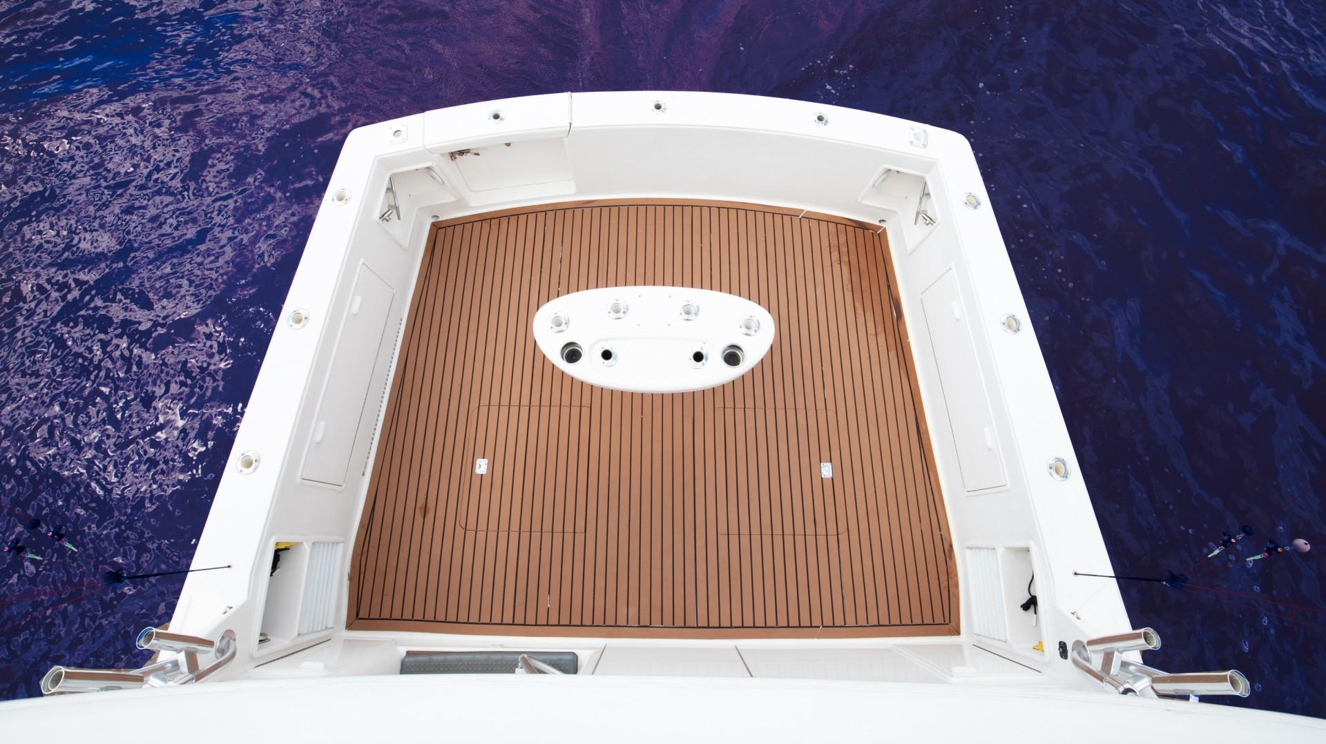 Ocean Yachts 40 - Top Shot - Cockpit