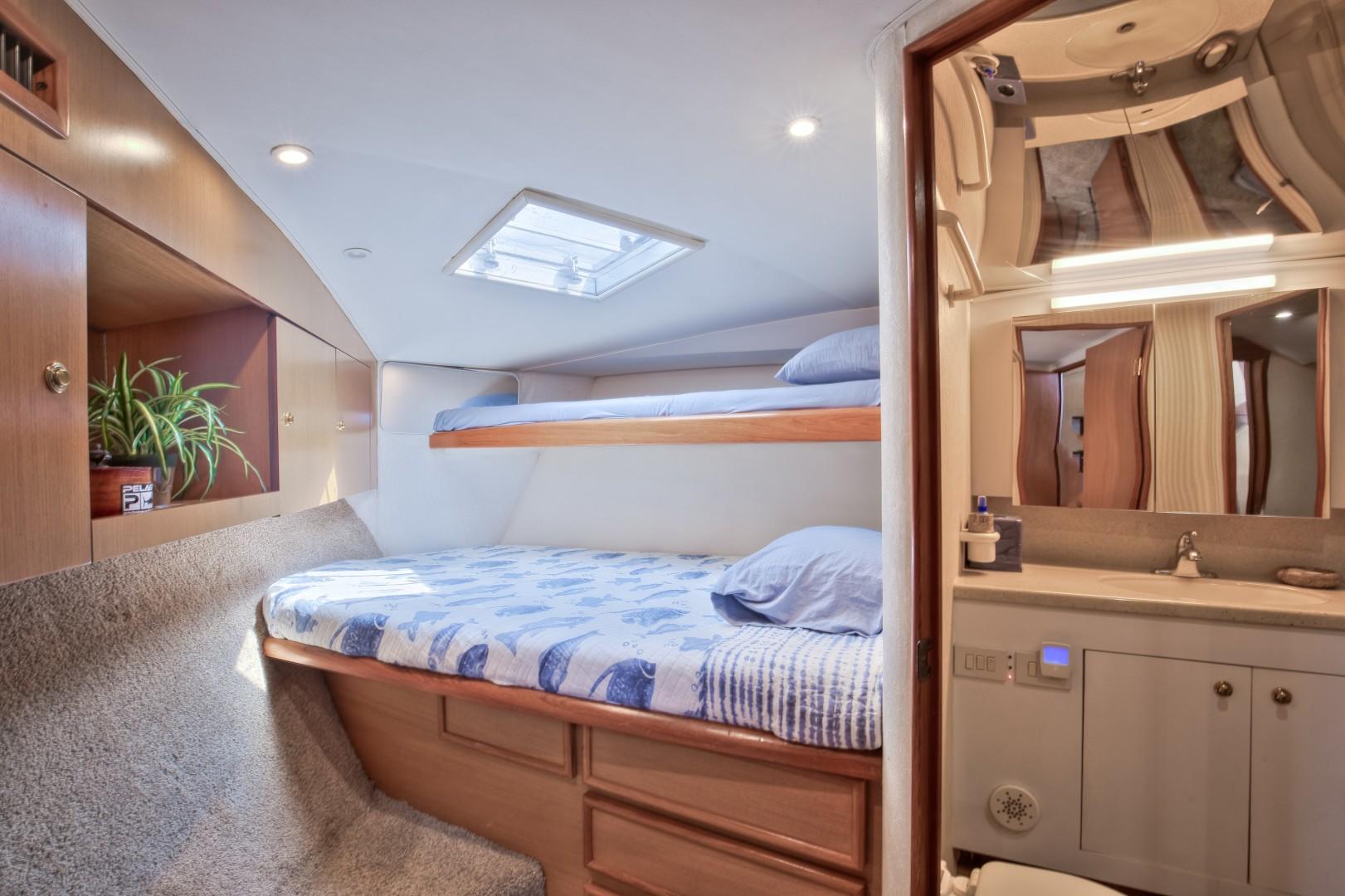 Ocean Yachts 40 - Top Shot - Guest Stateroom